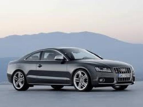 Audi met lichtmetalen velgen